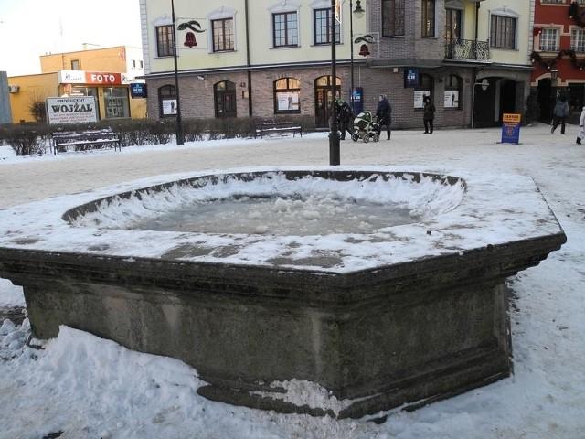 Na placu Żwirki i Wigury pojawi się nowa fontanna, ale wyglądem przypominająca starą.