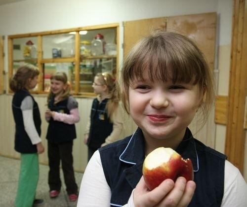Dla Oli Pawelskiej z kl. Ic Szkoły Podstawowej w Kleosinie każdy dzień może być bez chipsów. Dziewczynka lubi owoce i warzywa.