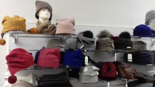 Modne nakrycia głowy na sezon jesienno-zimowy 2018/19.
