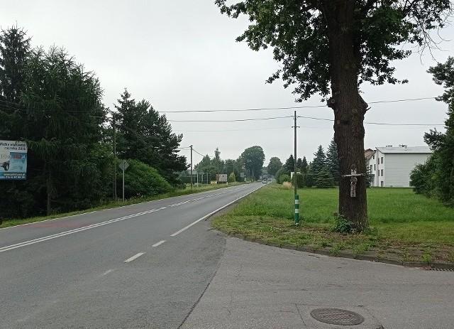 niebawem rozpoczną się pierwsze prace związane z budową ciągu pieszo-rowerowego wzdłuż drogi wojewódzkiej 948 na odcinku od ul. Świerkowej do mostu na kanale Ulgi Bielany.