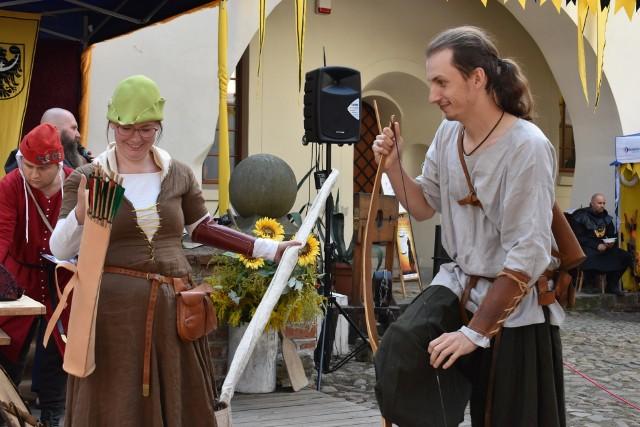 Turniej łuczniczy, bojowy, pokazy konne, parada średniowieczna oraz inne atrakcje znalazły się w programie Turnieju Rycerskiego
