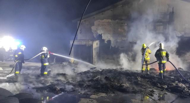 Strażacy szybko opanowali ogień.
