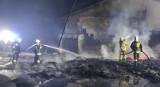 Duży pożar tartaku pod Skwierzyną. – To już trzeci, albo czwarty raz gasimy ogień w tym miejscu – mówi prezes skwierzyńskich strażaków
