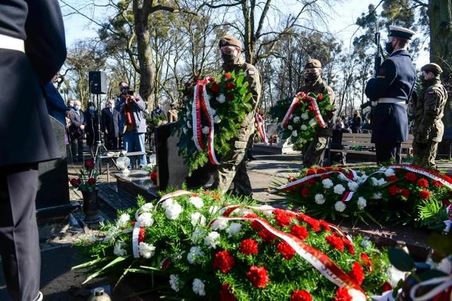 Narodowy Dzień Pamięci Żołnierzy Wyklętych na Cmentarzu Garnizonowym w Gdańsku, 1 marca 2021