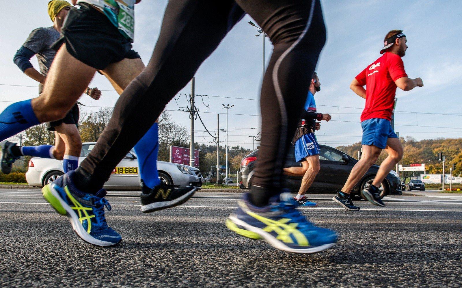 08e505b7 Każdy kto biega nawet na długich dystansach, też zaczynał od biegania dla  początkujących