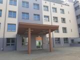 Szpital tymczasowy w Radomiu pełen pacjentów, wszystkie łóżka respiratorowe są zajęte. Chorych przybywa, a najgorsze przed nami