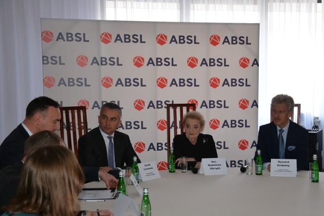 Madeleine Albright, była sekretarz stanu USA, odwiedziła Poznań.