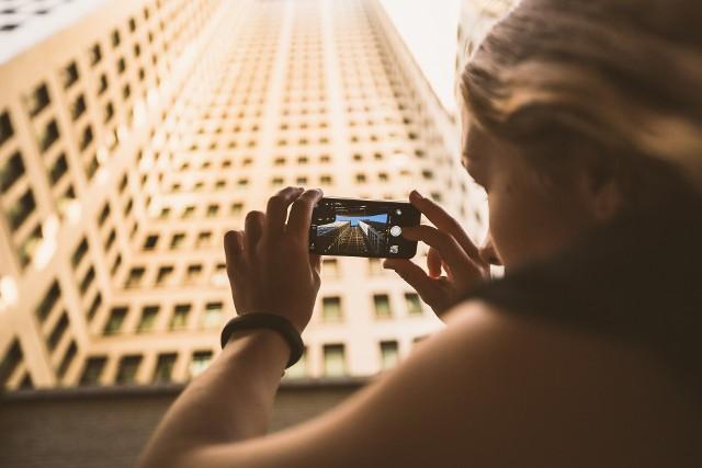 """Konkurs filmowy """"poznańMOVIE"""": Wybrane filmy zostaną opublikowane na stronach internetowych, kanałach YouTube i w mediach społecznościowych Organizatora."""