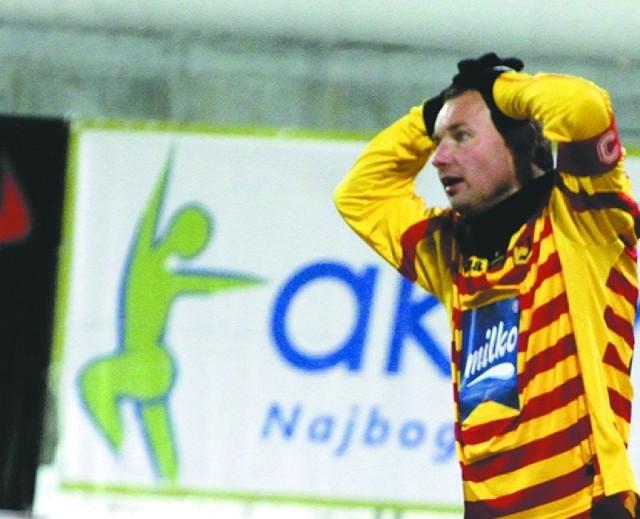 Tomaszowi Frankowskiemu wiele razy w trzech wiosennych meczach pozostało tylko wykonać taki gest niedowierzania i bezsilności