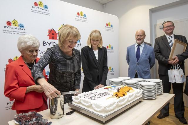 """Konkurs """"Bydgoski Wolontariusz Roku"""" organizowany jest od 2003 roku przez prezydenta Bydgoszczy."""