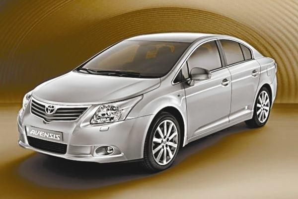 Auto ma nowoczesny i atrakcyjny wygląd.