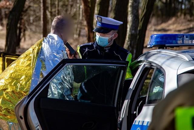 Ten 28-letni kierowca wjechał kilka dni temu swoim passatem do Noteci. Miał w organizmie 2 promile alkoholu