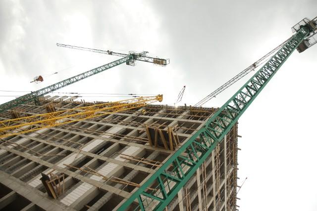 Budowa mieszkań Jeśli decydujemy się na kredyt z dopłatą, to ostatni dzwonek na złożenie wniosku. Ostateczny termin mija z końcem grudnia.