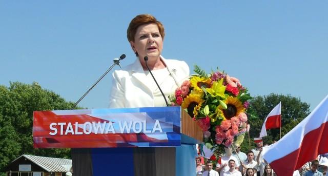Beata Szydło była w Stalowej Woli w sierpniu 2015 roku, na wiecu wyborczym PiS.