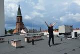 Wielkie poruszenie w Sulechowie. Pojawili się operatorzy kamer, dźwiękowcy. Razem z mieszkańcami nagrywany jest teledysk!