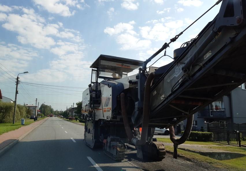 Rozpoczął się remont ulicy Hrubieszowskiej w Sławkowie...