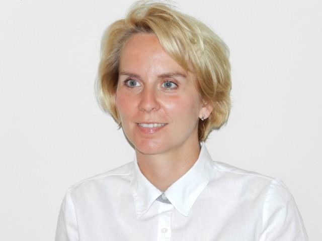pkobp poznań - pieniądze na wakacje zabierz bezpiecznie - jak to zrobić radzi Magdalena Wieczorek z PKO Banku Polskiego w Poznaniu