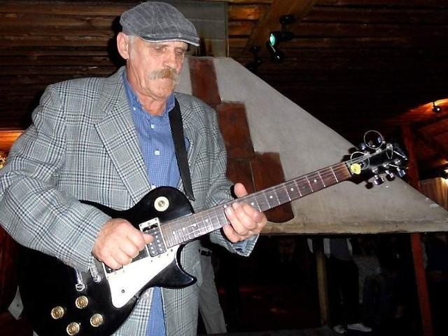 """- Udało mi się zaprosić naprawdę dobrych muzyków na nasz jubileusz - zachęca do wspólnej imprezy Andrzej """"Dzieja"""" Mądzielewski"""