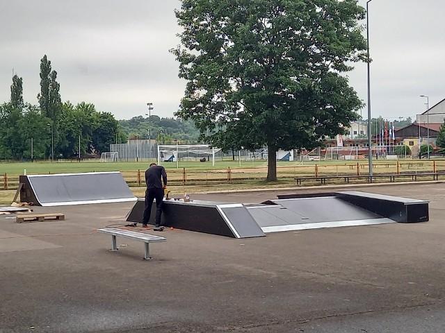 Odwiedziliśmy teren budowy skateparku w Golubiu-Dobrzyniu. Zobaczcie w naszej galerii jak wyglądał stan prac w czwartek 24 czerwca