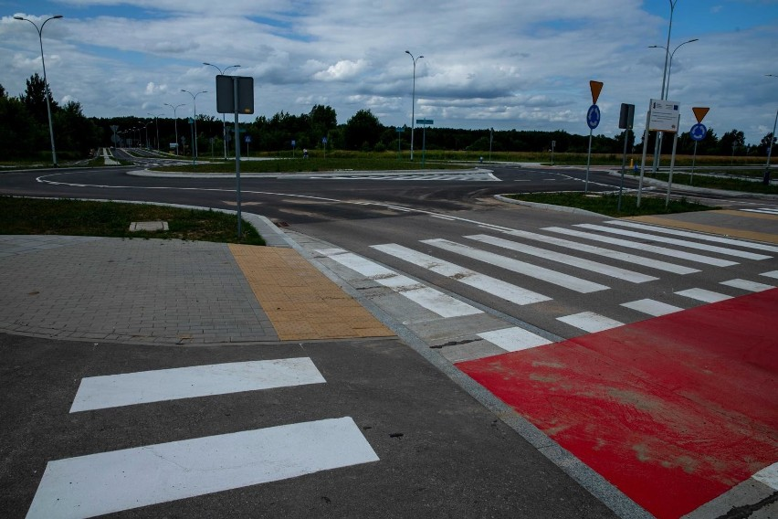 Tak wyglądają nowe drogi w pobliżu lotniska.