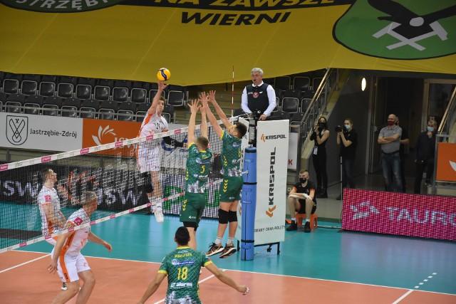 Jastrzębski Węgiel wykorzystał atut własnej hali i wygrał pierwszy mecz ćwierćfinałowy.