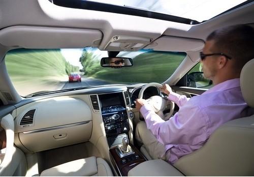 Według unijnych przepisów Polacy chcący zarejestrować samochody z Wysp Brytyjskich mają prawo to zrobić bez przekładki kierownicy
