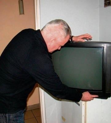 Właściciele starszych telewizorów muszą kupić dekoder Fot. Teresa Zielińska