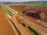 Tak budują ponad 30 km drogi ekspresowej S3 na Dolnym Śląsku [NOWE ZDJĘCIA LOTNICZE]