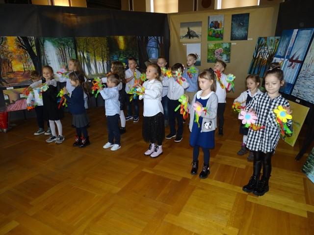 Dzień Nauczyciela świętowano dziś (14.10.2021) w ratuszu w Chełmnie. Burmistrz wręczył nagrody nauczycielom i dyrektorom szkół