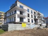Deweloper stawia nowy budynek, mieszkańcy starego bloku przy ul Herbsta się buntują. Mają rację?
