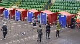 Inowrocław. Szczepienia przeciw COVID-19 w  hali widowiskowo-sportowej przebiegają bardzo sprawnie. Obowiązują krótkie terminy! [zdjęcia]