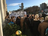 Rodzice protestują przeciwko likwidacji Szkoły Podstawowej nr 51 w Gdyni [zdjęcia]