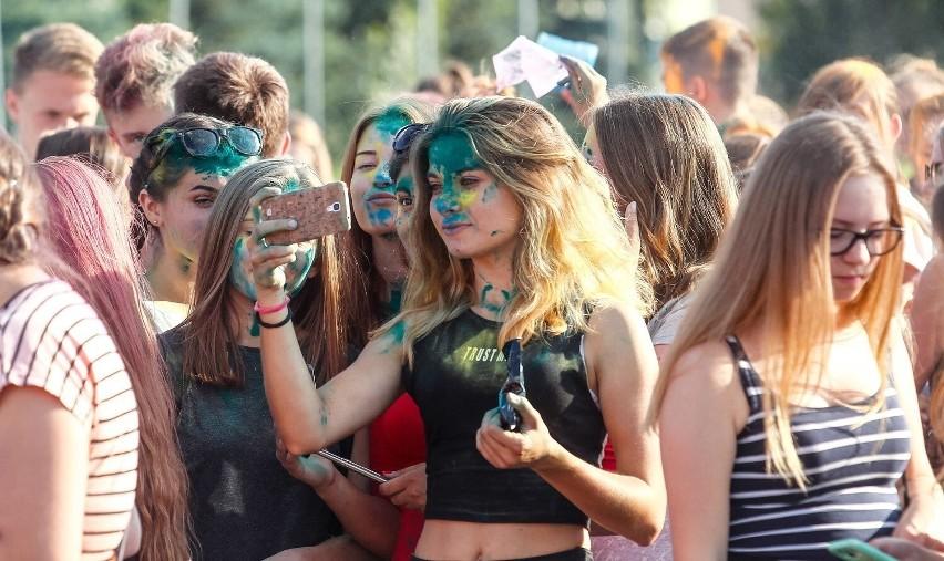 Kolor Fest Rzeszów - Dzień Kolorów Holi w Rzeszowie!...