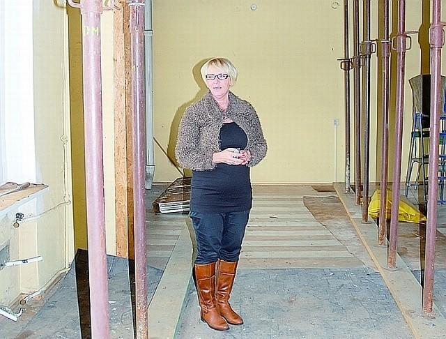 Głogów: Wyremontują budynek dla seniorów- W tej sali, oczywiście po remoncie, będą mogły odbywać się różnorodne zajęcia dla seniorów - mówi Danuta Gross.