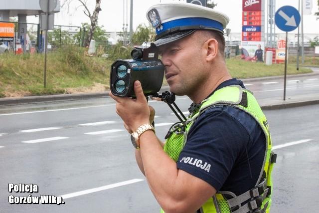 Policjanci nie odpuszczają drogowym piratom.