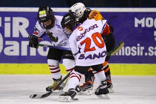 Młodzi sanoczanie będą mogli sprawdzić się z rówieśnikami z kolebki hokeja - Kanady.