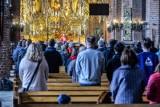 Takie będą święta 2020 w kościele! Pasterka i Boże Narodzenie w pandemii koronawirusa. Limity wiernych, dyspensa, msze święte online
