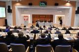 Sesja sejmiku woj. pomorskiego 25.11.2019 - pierwsze czytanie projektu przyszłorocznego budżetu i ślubowanie dwójki nowych radnych