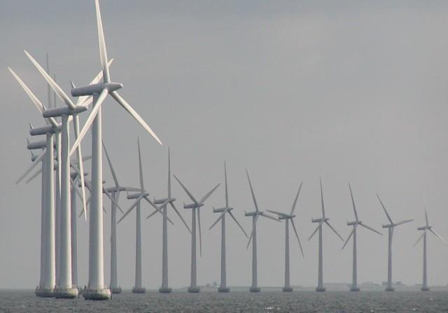 Do 2020 roku Polska ma uzyskiwać 0,5 GW energii z morskich fam wiatrowych.
