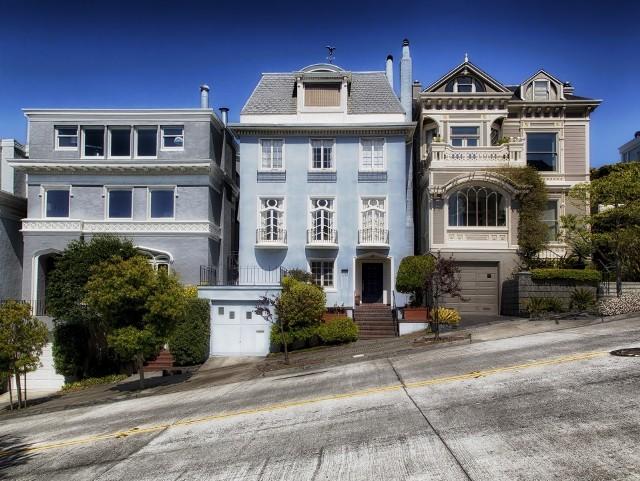 Poprzedni wielki kryzys gospodarczy rozpoczął się od załamania na amerykańskim rynku kredytów hipotecznych, związanego z inwestowaniem w nieruchomości.