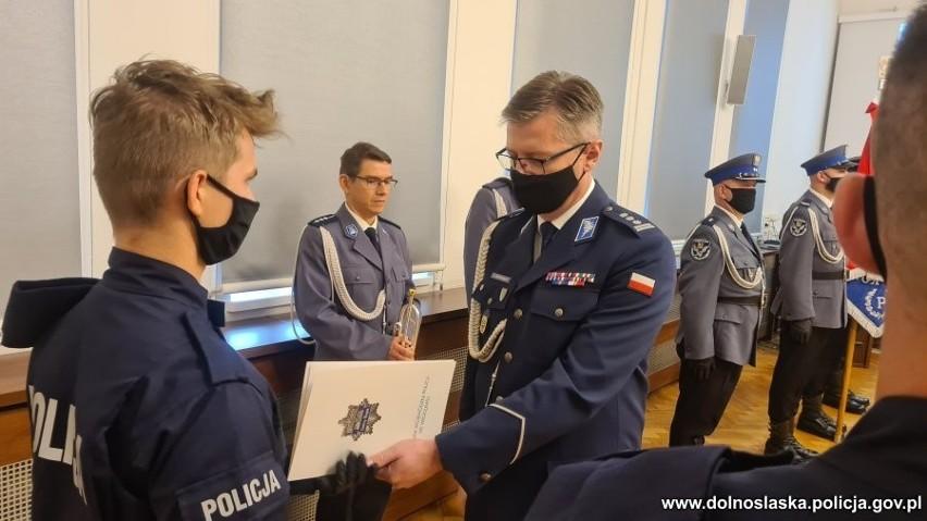 36 nowych policjantów na Dolnym Śląsku. Tylko w tym roku służbę zaczęło już 500 osób!