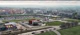 """Wielki park handlowy powstaje przy """"7"""" w Skarżysku. Znamy nazwę - to Vendo Park i kolejne marki, które otworzą swoje sklepy [ZDJĘCIA]"""