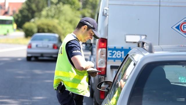 Obaj zatrzymani kierowcy stracili prawo jazdy.