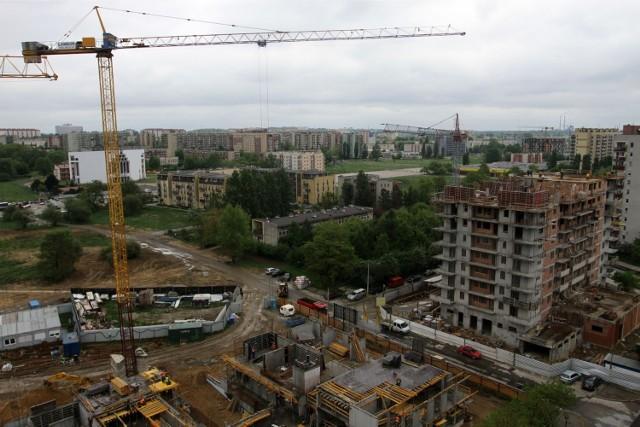 Budowa osiedla mieszkaniowego - zdjęcie ilustracyjne