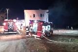 Mikołów. Wielki pożar wybuchł w nocy. Spłonęła stodoła w Kamionce. Płomienie widać było z kilku kilometrów