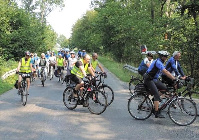 Do udziału w rajdzie rowerowym i pieszym, połączonym z sadzeniem lasu, zaprasza turystów PTTK w Strzelnie