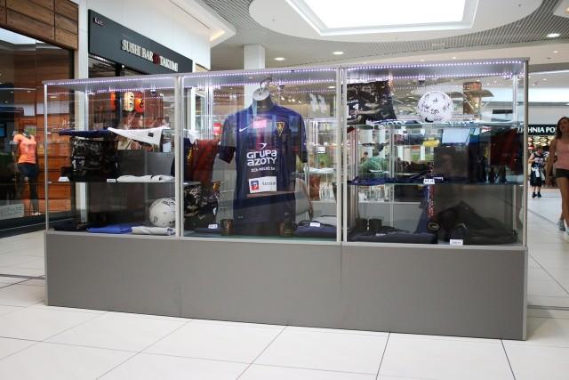 Pogoń otworzyła sklep na drugim piętrze Galaxy.
