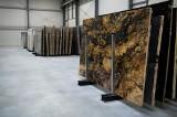 Naturalny kamień we wnętrzu w zasięgu ręki. Magazyn firmy Interstone otwarty w Pruszczu Gdańskim