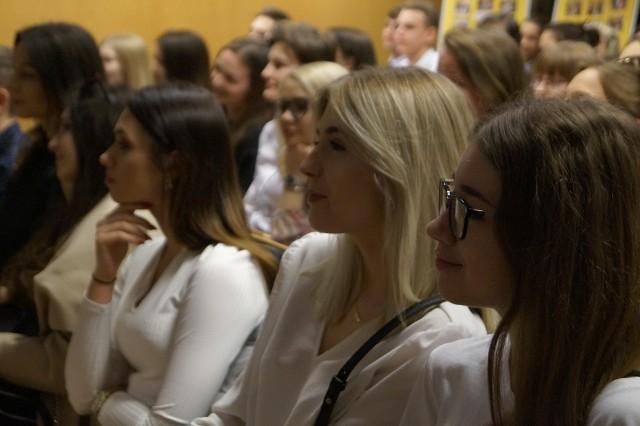 Ostrołęka. Matury 2019 ze strajkiem nauczycieli w tle