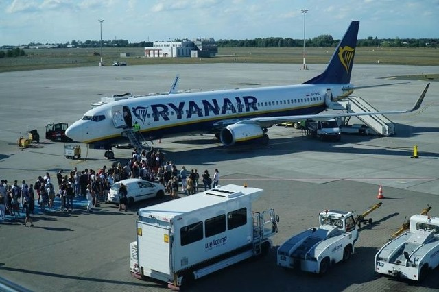 We wtorek, 25 lutego na poznańskie lotnisko Ławica przyleciał samolot z Mediolanu. Podróżnymi znajdującymi się na pokładzie natychmiast po wylądowaniu zajęli się pracownicy lotniska.
